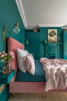 Loving this bright bedroom decor! This London Edwardian home was renovated into a contemporary, colorful, and eclectic family home that is both functional and fabulous for modern family life. for bedroom wohnung decoration dekorieren einrichten ideen Green Bedroom Decor, Bedroom Wall Colors, Teal Bedroom Walls, Teal Bedrooms, Teal Walls, Bright Bedroom Colors, Green Bedroom Design, Blue Green Bedrooms, Blue And Pink Bedroom