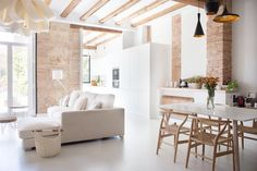 A Modern Renovated Spanish Home with Beautiful Tile Floors — House Tour (Apartment Therapy Main) Patio Interior, Home Interior Design, Spanish Apartment, Gravity Home, Decoration Inspiration, Spanish House, Design Blog, White Walls, White Wood