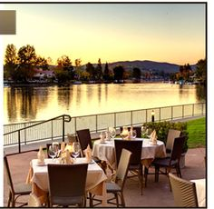 Boccaccios Restaurant | Westlake Village, Ca. on a sunny Saturday afternoon with family.