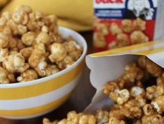 Vous êtes des amateurs de bon vieux Crackerjack ou de popcorn au caramel maison (avec des arachides)? Cette recette est pour vous! Délicieuse et rapide à préparer… Popcorn Au Caramel, Cracker Jacks, Biscuit Cookies, Finger Foods, Crackers, Dog Food Recipes, Biscuits, Deserts, Chips