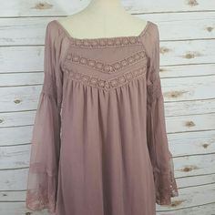 """Dusty rose peasant  dress Fully lined boho dress made by Resistol. The """"sugared plum carlee dress"""". Beautiful color and style. Can be worn on or off shoulders. Runs L. Dresses"""
