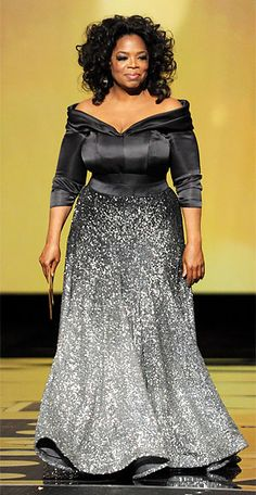 Oprah Winfrey Photos - Presenter Oprah Winfrey speaks onstage during the Annual Academy Awards held at the Kodak Theatre on February 2011 in Hollywood, California. - Annual Academy Awards - Show African Attire, African Fashion Dresses, African Dress, Vestidos Plus Size, Plus Size Dresses, Oprah Winfrey, Modelos Fashion, Family Photo Outfits, Elegant Dresses