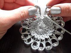 Pop Tab Choker - Free Crochet Pattern: Pop Tab Purse, Clutch Purse, Diy Purse, Pop Can Tabs, Can Tab Crafts, Pop Top Crafts, Soda Tab Crafts, Crochet Diy, Fleur Crochet