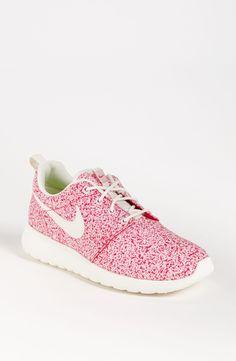 60866e4edc6e Roshe Run Sneaker (Women) Nike Running