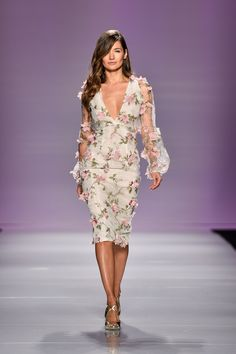 NARCES | World MasterCard Fashion Week #floraldress #floralapplique #elegant #deepv #fitteddress #NARCES #widesleeve