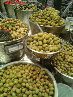 Lots of green olives ...