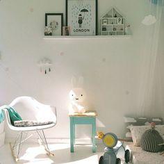 Super cute room and super cute miffy lamp! Baby Bedroom, Girls Bedroom, Baby Decor, Kids Decor, Miffy Lampe, Ideas Habitaciones, Deco Kids, Nursery Inspiration, Kid Spaces