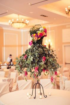 Fashion inspired centerpiece. Photo by Randy Coleman & Carli Photography.