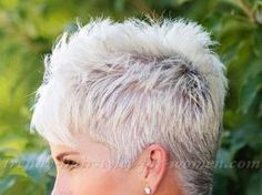 20 Great Pixie Haircuts for Women Over 50