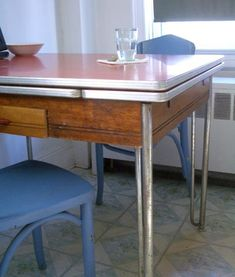 Good Questions: Replacement Legs For This Retro Table?