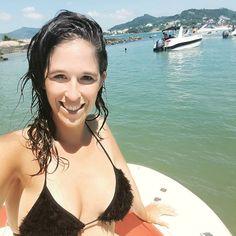 Si no estoy en la boleteria es porque me tomé una horita libre (jajajaja)  Que lindo regalito hoy: invitación para ir a navegar en lancha y terminamos en la #IlhadoFrances :) #Florianopolis #Floripa #Brasil #SouBemFloripa #travelblogger #iamTB #comuviajera #Aviajar #travel #instatravel #photoofthedayr #picoftheday #instatraveling #ŕ #igpassport #instago #lifestyle #mytravelgram #travelphoto #wanderlusts #traveltheworld #world #welltravelled #passionpassport #thehappynow…