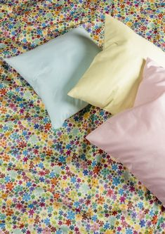 Blanket, Bed, Textiles, Bedroom, Stream Bed, Blankets, Beds, Cover, Comforters