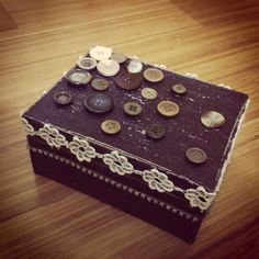 Shabby & buttons