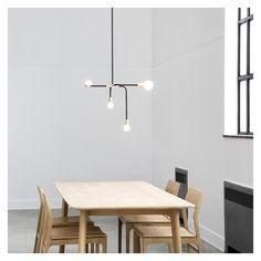 La suspension Beaubien au style minimaliste est l'oeuvre du studio de design Lambert & Fils.