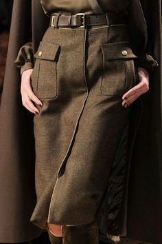Salvatore Ferragamo at Milan Fashion Week Fall 2012 skirt big pockets Look Fashion, Trendy Fashion, High Fashion, Womens Fashion, Fashion Design, Fashion Trends, Milan Fashion, Mode Outfits, Fashion Outfits