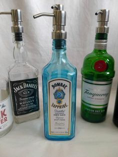 bottle crafts Bombay sapphire gin soap dispenser, gin gift with stainless soap dispenser. Liquor Bottle Crafts, Alcohol Bottles, Gin Bottles, Glass Bottles, Empty Liquor Bottles, Bombay Sapphire Gin, Le Gin, Gin Gifts, Whiskey Gifts