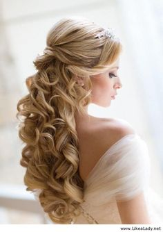 Long blonde hair - Curls - Wedding hairstyle