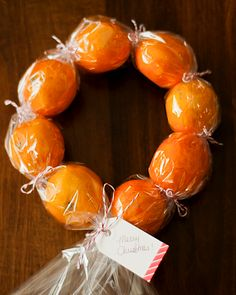 "Omiyage Blogs: DIY Clementine Wreaths-Something a little different from the ""baked"" goods.  Maybe add some fresh greens somehow."