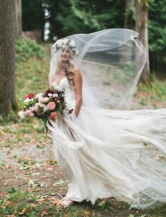 love that float factor! a little too cheesy-boho with the bouquet and flower crown, I'd prefer to go with something more delicate