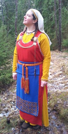 """Finish """"viking"""" dress Aino. Proven not to be correct (although Diane/Siobhan did a lovely job on it!). Sometimes old """"truths"""" aren't a good source of origin"""