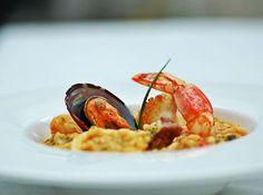 Risoto de Frutos do Mar com Rouille - Veja mais em: http://www.cybercook.com.br/receita-de-risoto-de-frutos-do-mar-com-rouille.html?codigo=13693