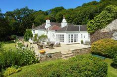 Cornmill, Kingsbridge, Devon, England, Sleeps 12, Bedrooms 6, Self-Catering Holiday Cottage, Pet Friendly.