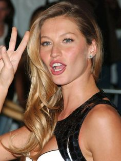 Gisele Bundchen - 2007 Costume Institute Gala http://beautyeditor.ca/2013/04/17/reader-hair-consultation-bill-angsts-advice-for-daria/