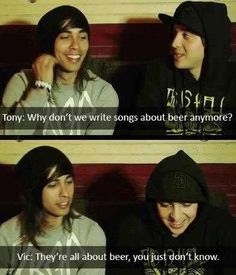 Tony Perry and Vic Fuentes😍😂👌 Emo Bands, Music Bands, Rock Bands, Metal Bands, Band Quotes, Band Memes, Pierce The Veil, Tony Perry, Love Band