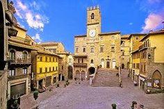 Tuscany: The Ten Most Beautiful Towns of Tuscany. Cortona