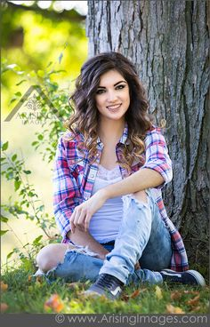 best michigan senior picture photographer Encounter - Any one scheming to make a profitable business Senior Portraits Girl, Senior Girl Poses, Teenage Girl Photography, Girl Senior Pictures, Senior Portrait Photography, Photography Poses Women, Girl Photos, Senior Pics, Senior Posing