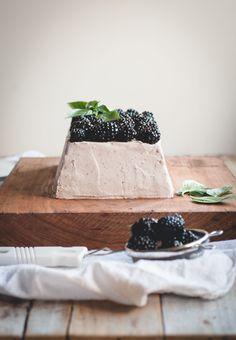 Blackberry Mascarpone & Gingersnap Icebox Cake // butterlustblog.com