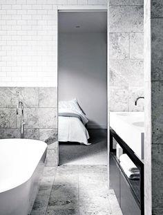 ensuite-bath-Findlay-home-dec15