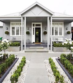 Front Yards Welcoming front yard garden - Expert tips on how to transform your front garden to create curb appeal and welcome visitors. House Design, House Front, Front Garden, House Exterior, Hamptons House, Exterior Design, Weatherboard House, House Painting, House Paint Exterior