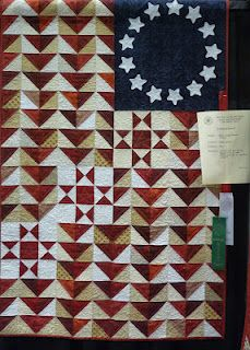 COUNTRY LOG CABIN   I love this quilt!  I need to have the pattern for this!