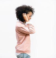 Hutchison-Dillan-boyfriend-sweatshirt-3