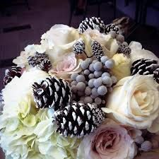 What a gorgeous winter centerpiece
