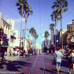 Day in the life of me (Day At Disney) Holly Wood Walkway Email : eliseo2114@gmail.com Facebook @ Eliseo Williams II Instagram @ Elise0Williams Snapchat @ Eliseo2114