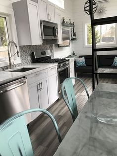 Awesome Tiny Kitchen Design For Your Beautiful Tiny House 550