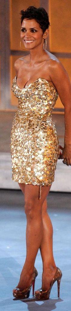 Para más de moda y tendencias vidita el blog que además te asesora con tu imagen www.tuguiafashion.com