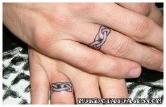 tatuajes de anillos de boda 42
