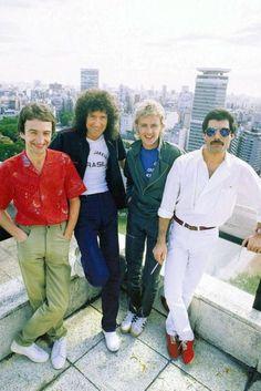 John Deacon, Brian May, Roger Taylor, Freddie Mercury John Deacon, Queen Freddie Mercury, I Am A Queen, Save The Queen, Queen Queen, Bryan May, Freddie Mercuri, Roger Taylor Queen, Queen Photos