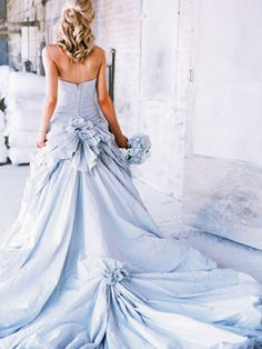 cool blue wedding gown (not my style, but pretty)