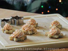 La cucina delle streghe: Stelline di pane tostato con crema al salmone