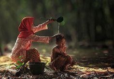 Herman Damar ritrae la vita nei villaggi dell'Indonesia