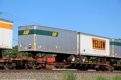 Freight Transport, Truck Transport, Semi Trucks, Big Trucks, Freight Truck, Railroad Pictures, Railroad History, Train Pictures, Rolling Stock