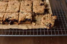 Buttery, nutty biscuit bars with a mincemeat core that caramelises at the edges. Mincemeat Bars Recipe, Mincemeat Pie, Mince Pies, Mince Meat, Xmas Food, Christmas Cooking, Dessert Bars, Dessert Recipes, Xmas Recipes