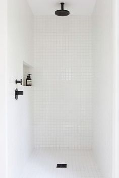 minimalist bathroom white shower w/ORB and shampoo niche Bathroom Renos, Laundry In Bathroom, Small Bathroom, Bathroom Black, Bathroom Fixtures, Bathroom Images, Bathroom Ideas, Bathroom Designs, White Mosaic Bathroom