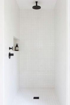 Witte tegels creatief gebruiken