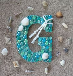 Need a gift idea that you want to create yourself? Here is a list of 30 tutorials that you can make with monogram letters. Wood Monogram Letters, Painting Wooden Letters, Diy Monogram, Diy Letters, Letter A Crafts, Alphabet Letters, Mermaid Bathroom Decor, Gem Crafts, Seashell Crafts