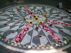 Stawberry fields en hommage à John Lennon - Central Park #NYC - 2008 - Photo Martine Le Jossec